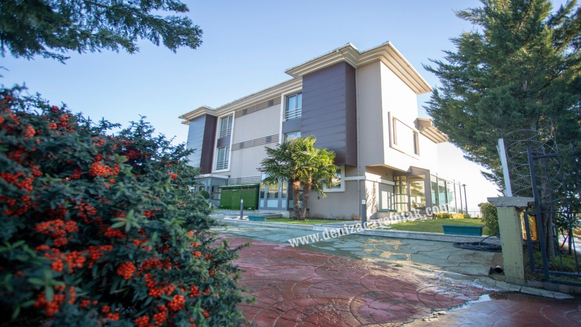 Kocaeli izmit Villa with lake viwe for sale izmit Villa For Sale