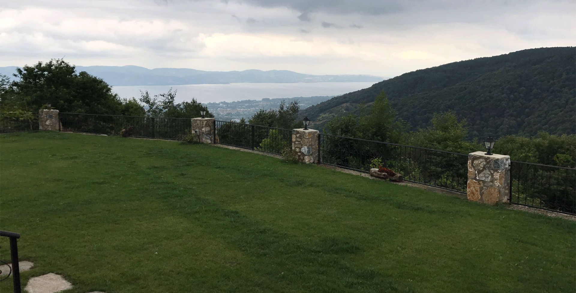 Sakarya Sapanca Dibektaş'ta Göl Manzaralı Kiralık Villa